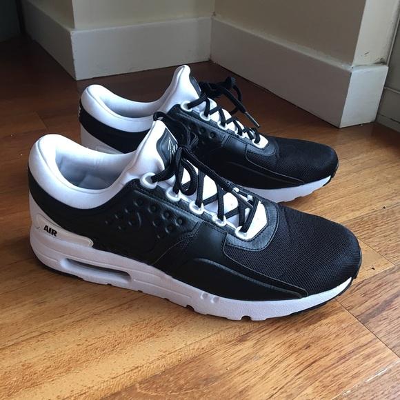 timeless design 2fc4f fe324 NEW - Nike Mens Air Max Zero Premium - Black/White NWT